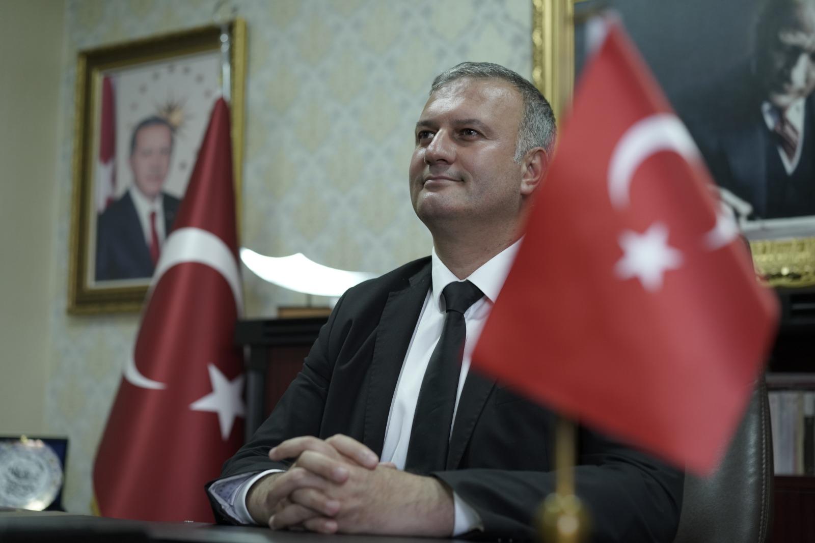 Başkan Topuz'dan 19 Mayıs Atatürk'ü Anma Gençlik ve Spor Bayramı mesajı.
